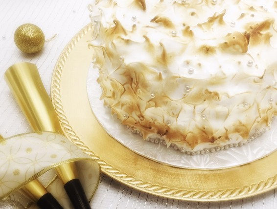 Recipe Classic White Cake With Meringue Frosting Duncan