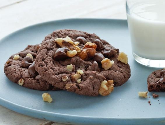 Recipe: Devil's Food Fudge Cookies | Duncan Hines Canada®