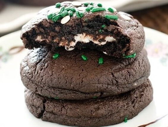 Recipe Peppermint Patty Stuffed Chocolate Cookies