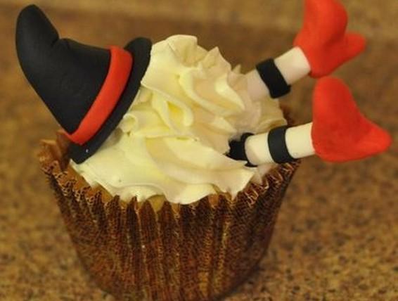 Recipe: Ravishing Red Velvet Cupcake | Duncan Hines Canada®