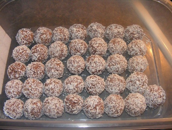 Recipe Christmas 2 Bite Snowballs Duncan Hines Canada 174