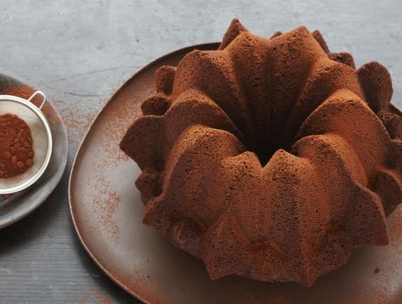 Recipe Devil S Food Pound Cake Duncan Hines Canada