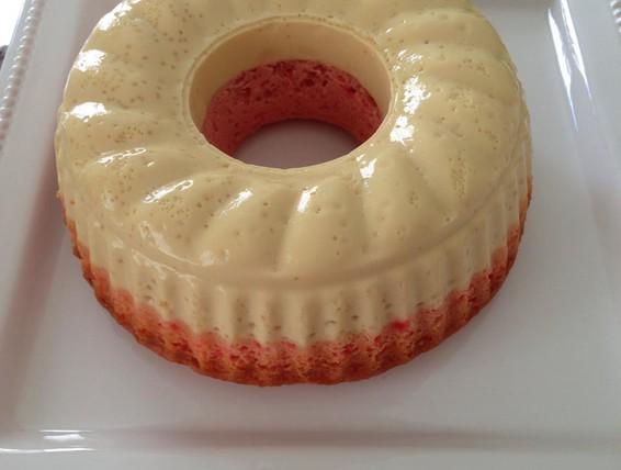 Duncan Hines Strawberry Bundt Cake
