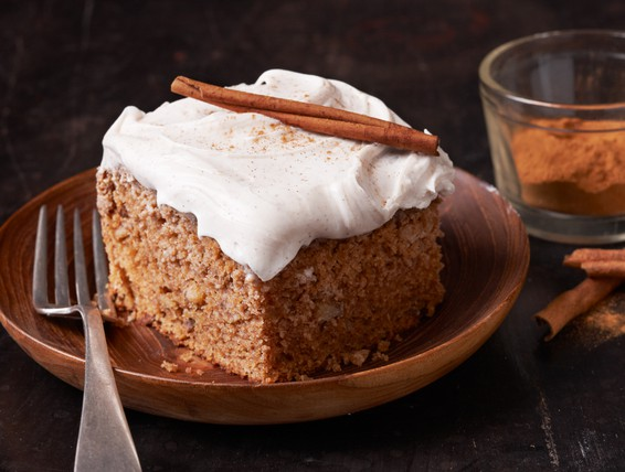Recipe Old Fashioned Applesauce Spice Cake Duncan Hines
