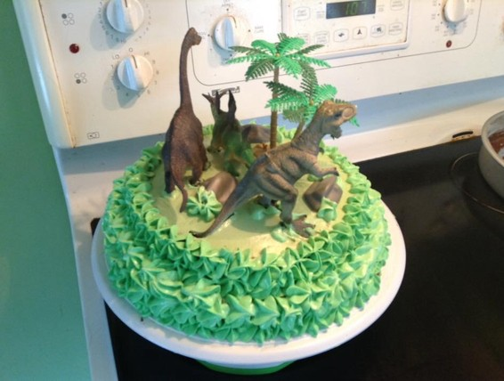 Recipe: Dinosaur Birthday Cake | Duncan Hines Canada®